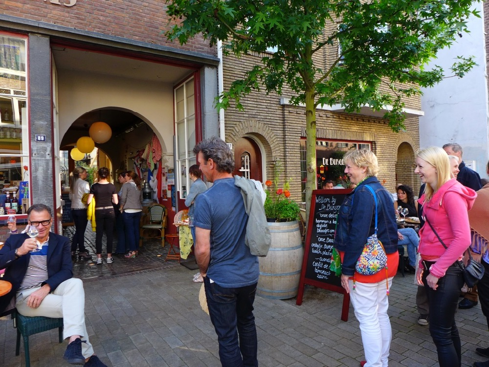 Tilburg Tapas Tocht 'corona proof'