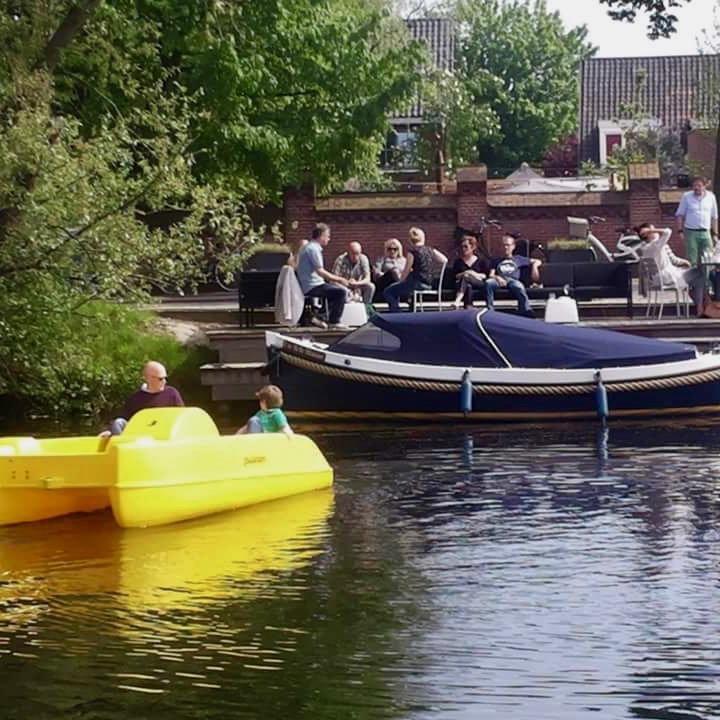 Waterfietsen of kanoën in de Piushaven