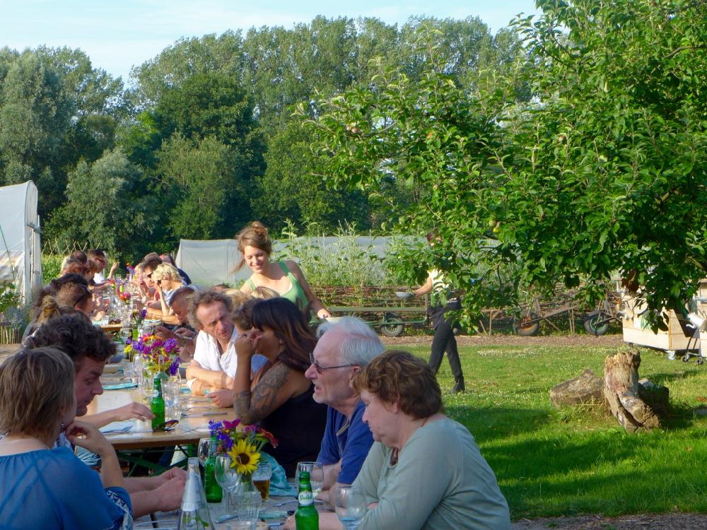 etentjes-meer-locaties-zomer-ut-rooie-bietje-groepsdiner-buiten-brabant-2