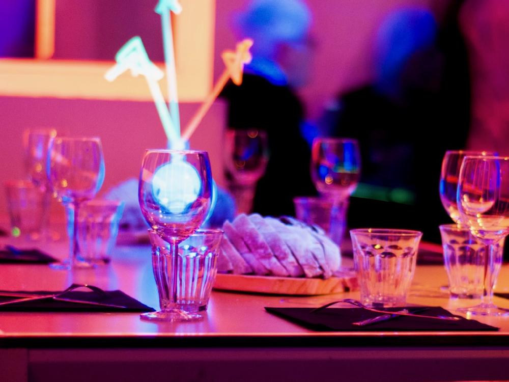 Blacklight diner